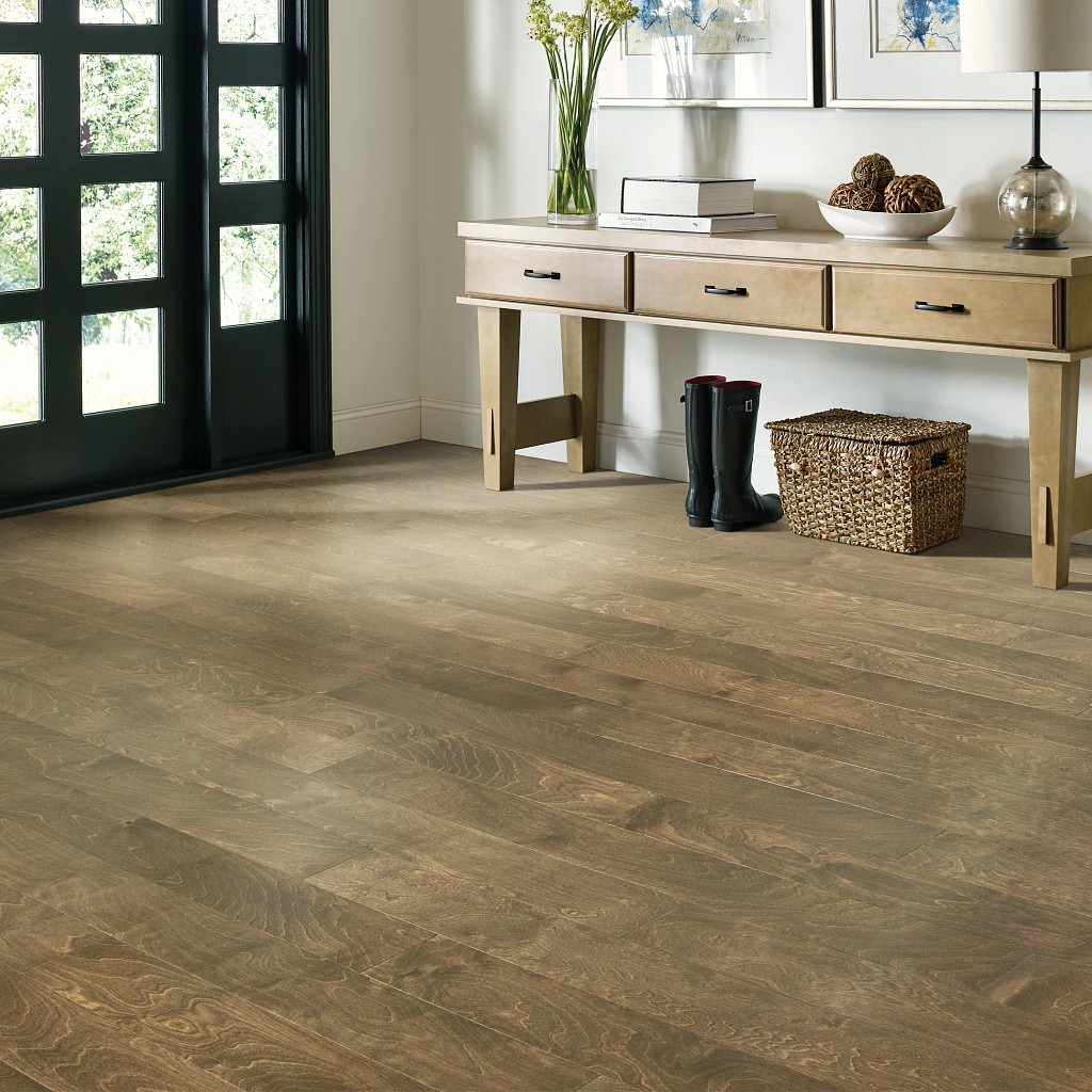 Wood Looks for a Traditional Feel | Leaf Floor Covering